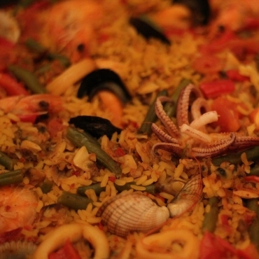 Why Include Paella Catering From The Start Of The Your Party Planning